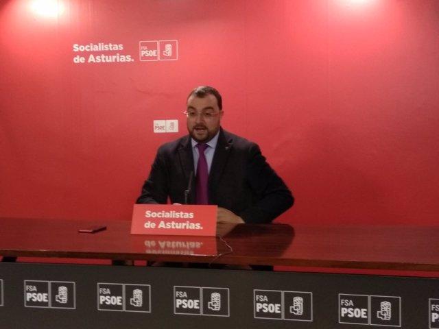 Adrián Barbón en rueda de prensa.