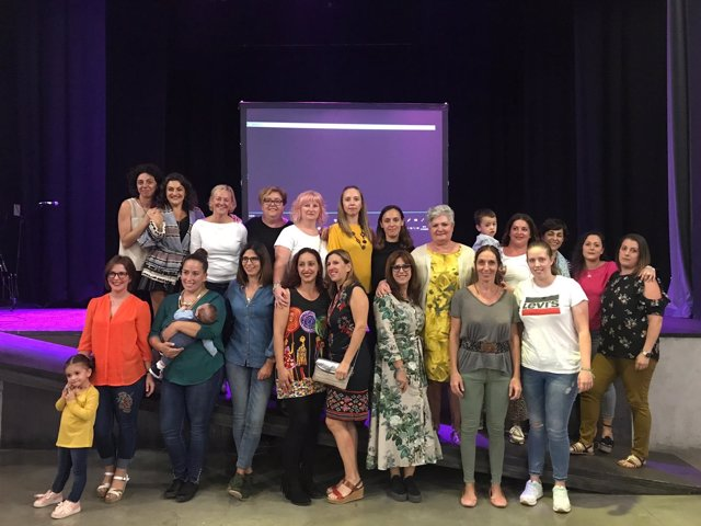 Mujeres participantes en el taller 'DESmadres'
