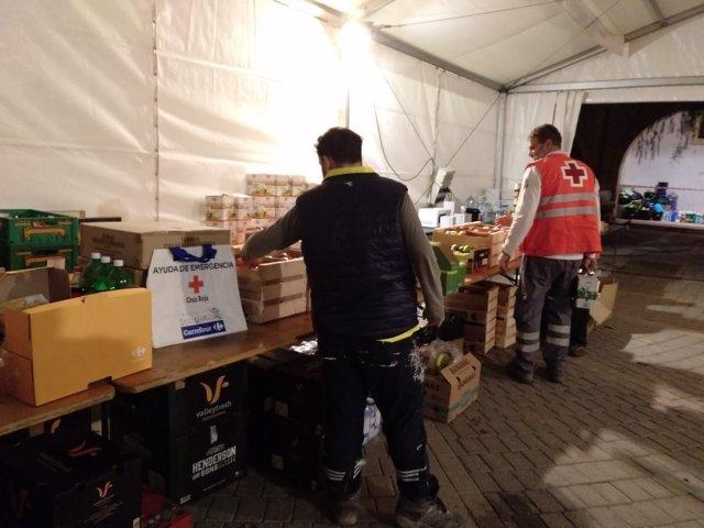 Voluntarios en el puesto de ayuda de Cruz Roja Baleares en Sant Llorenç