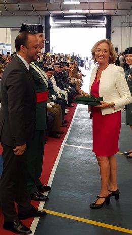 El Puerto de Almería recibe el 'Tricornio de Gala' de la Guardia Civil