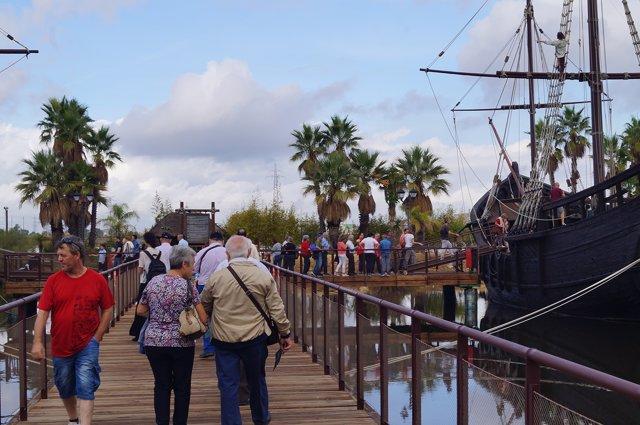El Muelle de las Carabelas en el Día de la Hispanidad