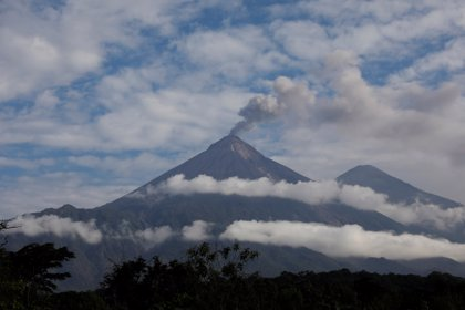 El Volcán de Fuego vuelve a entrar en erupción en Guatemala