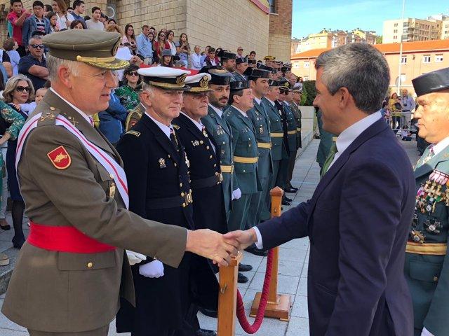 Zuloaga preside actos día delñ Pilar, Guardia Civil