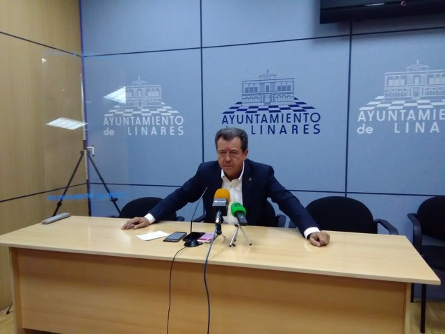 Alcalde de Linares, Juan Fernández