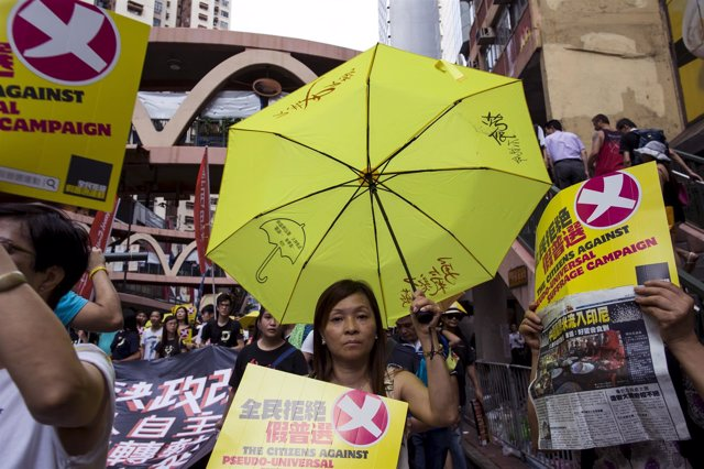 Manifestantes prodemocráticos en Hong Kong