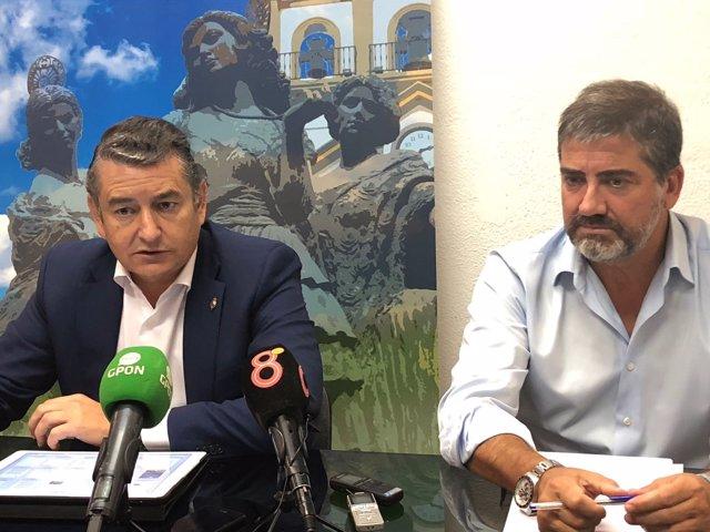 Antonio Sanz en rueda de prensa en La Línea