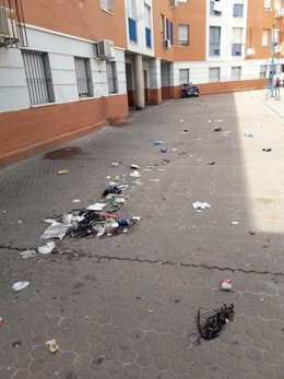 Estado del patio interior de las viviendas de la Junta en San Juan de la Cruz