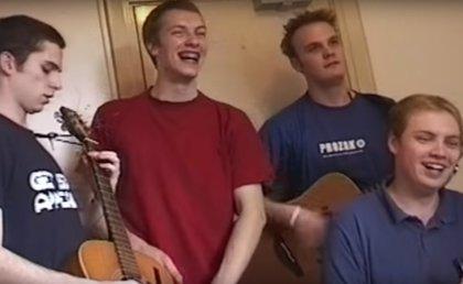 Coldplay muestran sus humildes inicios en el primer tráiler su documental A Head Full Of Dreams