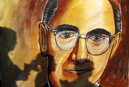 El arzobispo salvadoreño de los pobres Óscar Romero será proclamado santo mañana