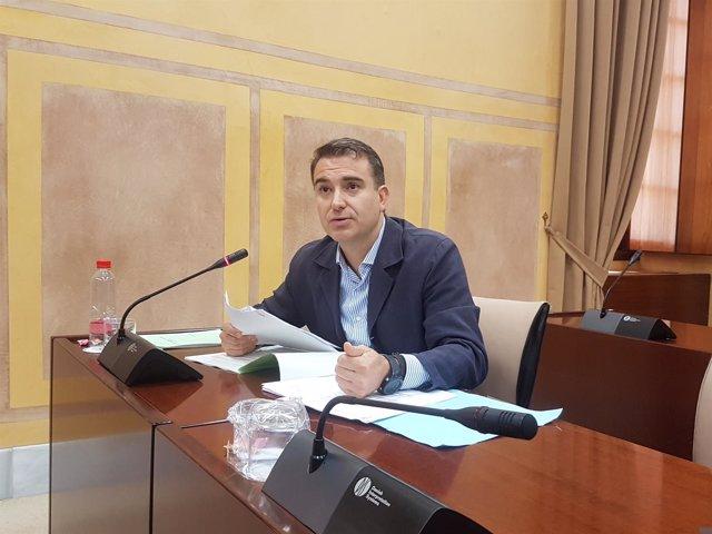 El parlamentario del PP-A Amós García