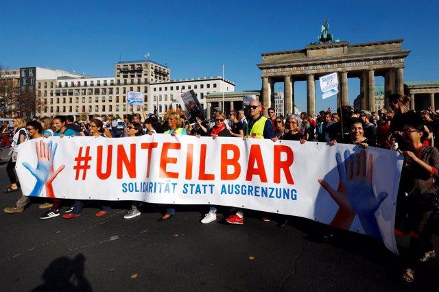 """;Anifestación Contra Afd """"#Unteilbar"""", Berlín, Octubre De 2018"""