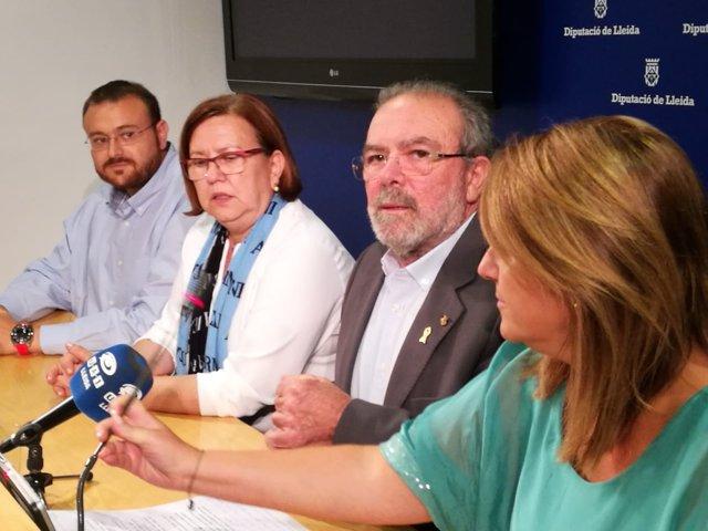 Gerard Sabarich, Rosa Perelló, Joan Reñé y Rosa Pujol, el 2 de octubre