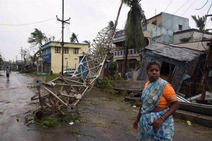 Al menos 16 muertos en el este de India por el ciclón 'Titli'