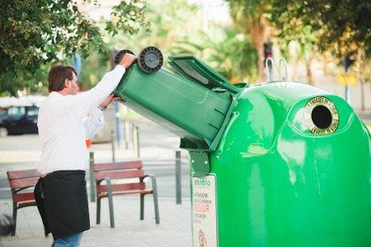 Los madrileños incrementan el reciclaje de vidrio un 7,7%, hasta una media de 13,5 kilos por habitante