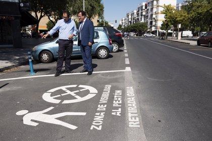 Ayuntamiento de Sevilla renueva las señales horizontales en una treintena de calles del Distrito Macarena
