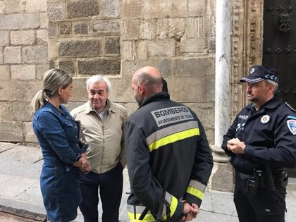 Abierta la calle Arco de Palacio de Toledo tras desprenderse una piedra de la Catedral