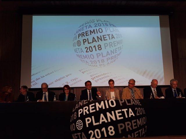 Josep Crehueras, Jesús Badenes, Carlos Fernández (Grupo Planeta) y el jurado del