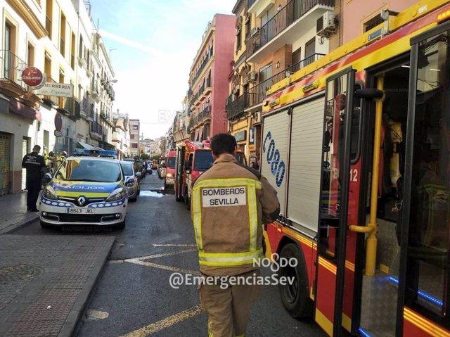 Efectivo de bomberos de Sevilla en una imagen de archivo