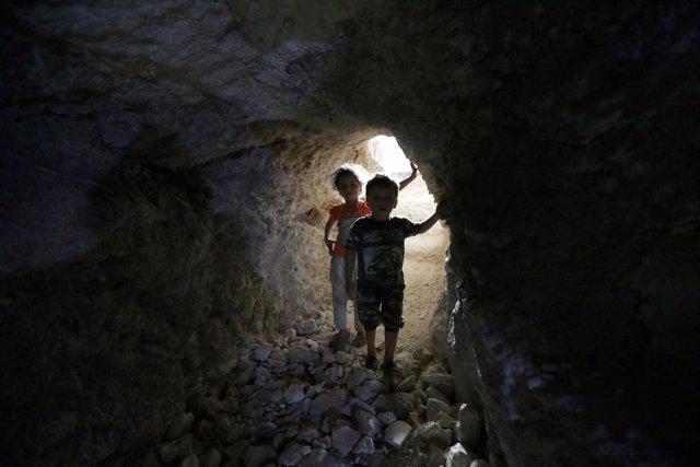 Refugio subterráneo en Idlib