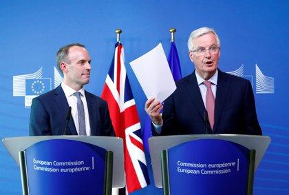 """Reino Unido reconoce un progreso """"real"""" en la negociación del Brexit a falta de resolver la cuestión irlandesa"""