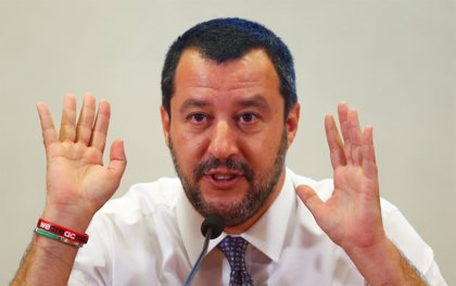 """Salvini considera el resultado de las elecciones de Baviera como un """"arrivederci"""" para Merkel"""