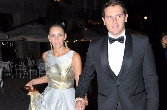 Albert Rivera y Beatriz Tajuelo vestidos de gala en jamón joselito