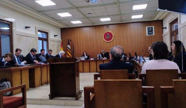 El exconseller de Interior, José María Rodríguez, en el juicio por el Caso Over