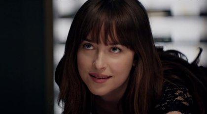 Dakota Johnson confiesa que se aburría con las escenas de sexo de 50 sombras de Grey