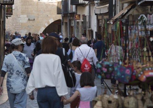 Turistas en una localidad del interior de Castellón