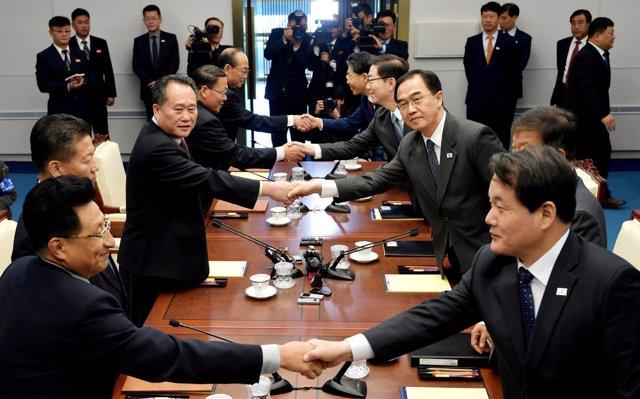 Encuentros entre los representantes de las dos Coreas en Panmunjon