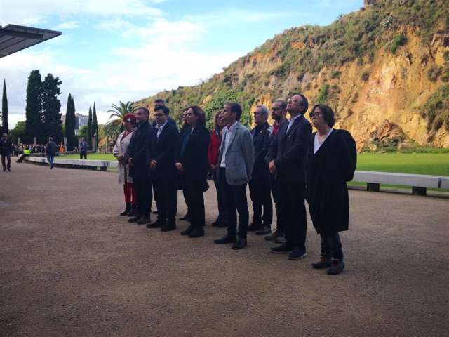 Ada Colau preside la ofrenda a Lluís Companys de concejales de Barcelona