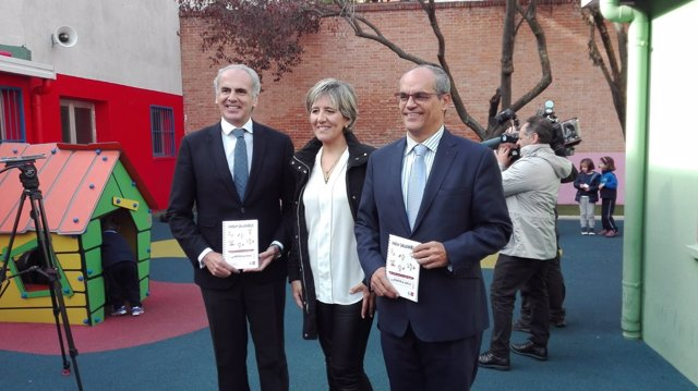 El consejero de Sanida y Educación, Enrique Ruiz Escudero y Rafael van Grieken