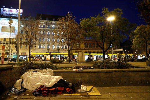 Persona sin hogar en Budapest
