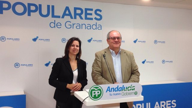 Rueda de prensa en el PP de Granada