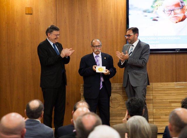 Salvador Gascón recibió el  PREMIO FEHV (archivo)