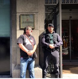 Jordi Pesarrodona protesta ante Gobernación