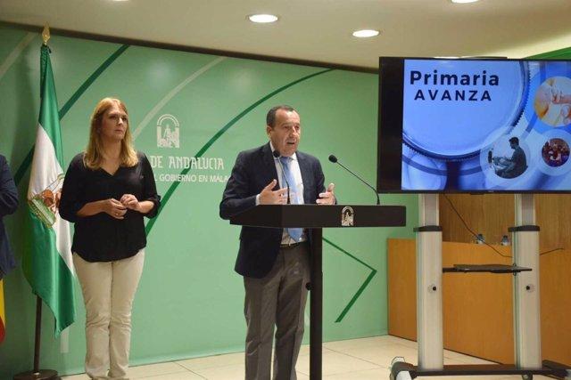 Ruiz Espejo en rueda de prensa con la delegada de Salud Ana Isabel González