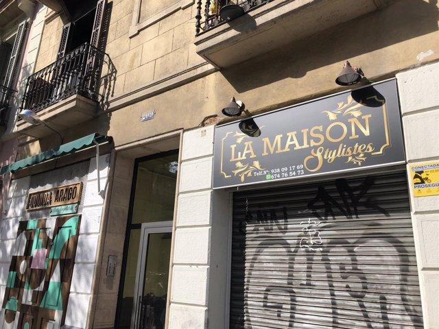Edificio del incendio en el número 209 de la calle Aragó de Barcelona
