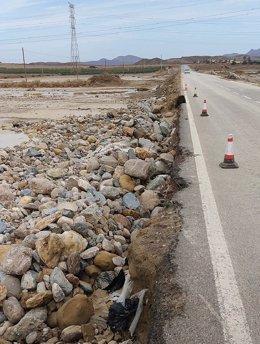 Imagen de la carretera que estaba afectada por las lluvias torrenciales.