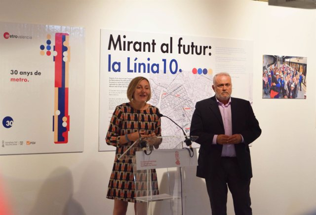 Salvador presenta la exposición de los 30 años del metro en Colón