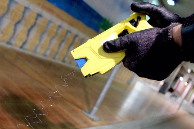 Pistola Taser usada para la formación de Mossos d'Esquadra