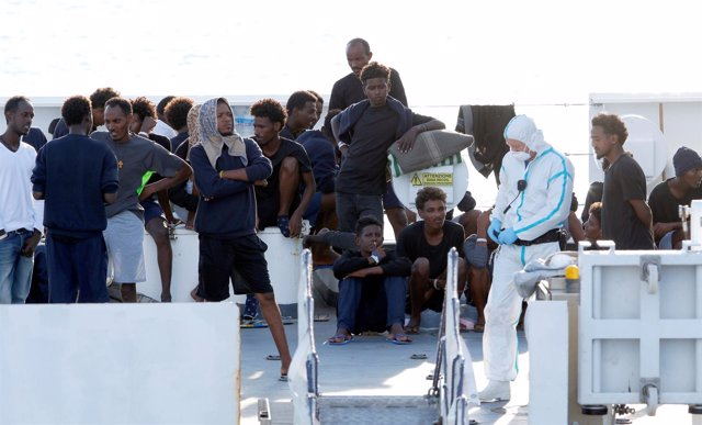 Migrantes a bordo del 'Diciotti'