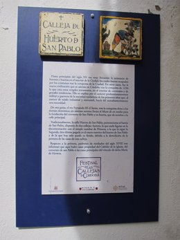 Cartel explicativo en la Calleja del Huerto de San Pablo