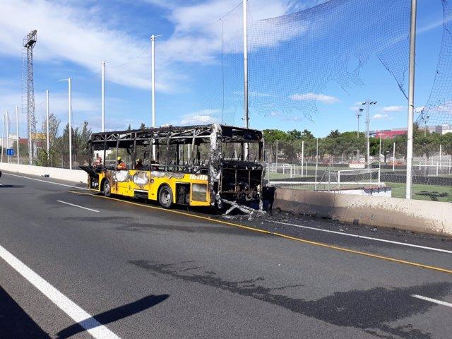 Autobús incendiado en Paterna