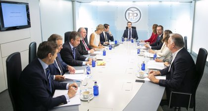 La cúpula del PP y casi una decena de 'barones' del partido apoyan este martes a Casado en los desayunos de Europa Press