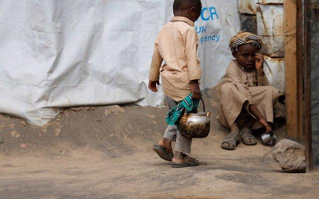 El Consejo Noruego para los Refugiados alerta de que los yemeníes 'ya se están muriendo de hambre'