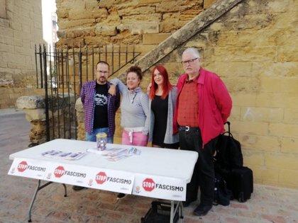 Podemos monta en Córdoba una mesa informativa con el lema de 'Stop Fascismo'