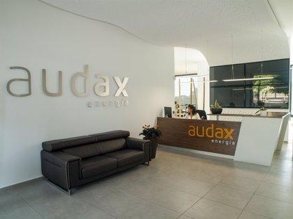 Audax Renovables formaliza la absorción de Audax Energía