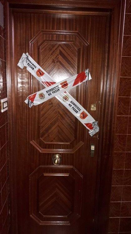 Una mujer resulta herida al caerle encima parte del forjado de su vivienda en Alicante mientras estaba en su baño