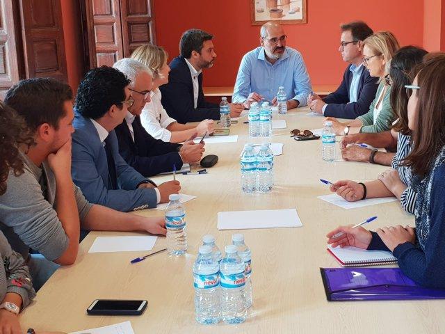 Joaquín López se reúne con los alcaldes